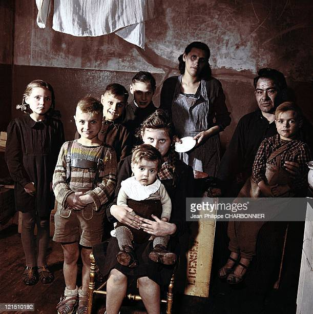 Werner Knabe'S Family Composed Of Two Adults And Seven Children Lives In 9M2 Room For 1800 Francs Per Month