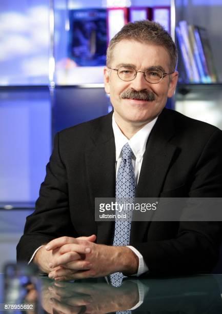 Werner Kramer Mediziner Wissenschaftler D Mitglied der Geschäftsführung und Leiter Forschung und Entwicklung Deutschland des Pharmaherstellers Sanofi...