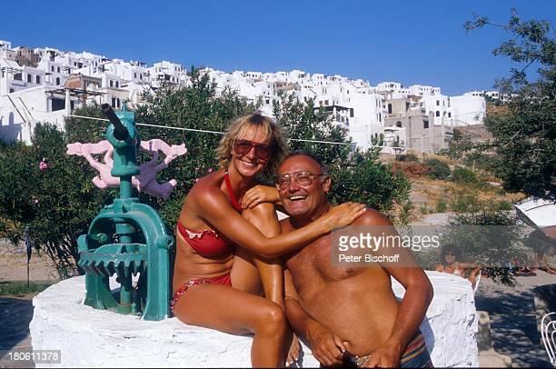 Werner Kreindl Ehefrau Diana Körner Bodrum/Türkei Urlaub Häuser Bikini Sonnenbrille umarmen Frau Brille