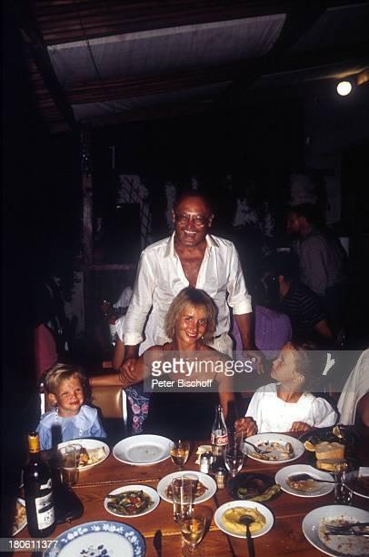 Werner Kreindl , Ehefrau Diana Körner, Tochter Lara Joy , Tochter Jenny Joy , Bodrum/Türkei, Urlaub,. Hotel, Restaurant, Dinner, Abendessen, Speisen,...