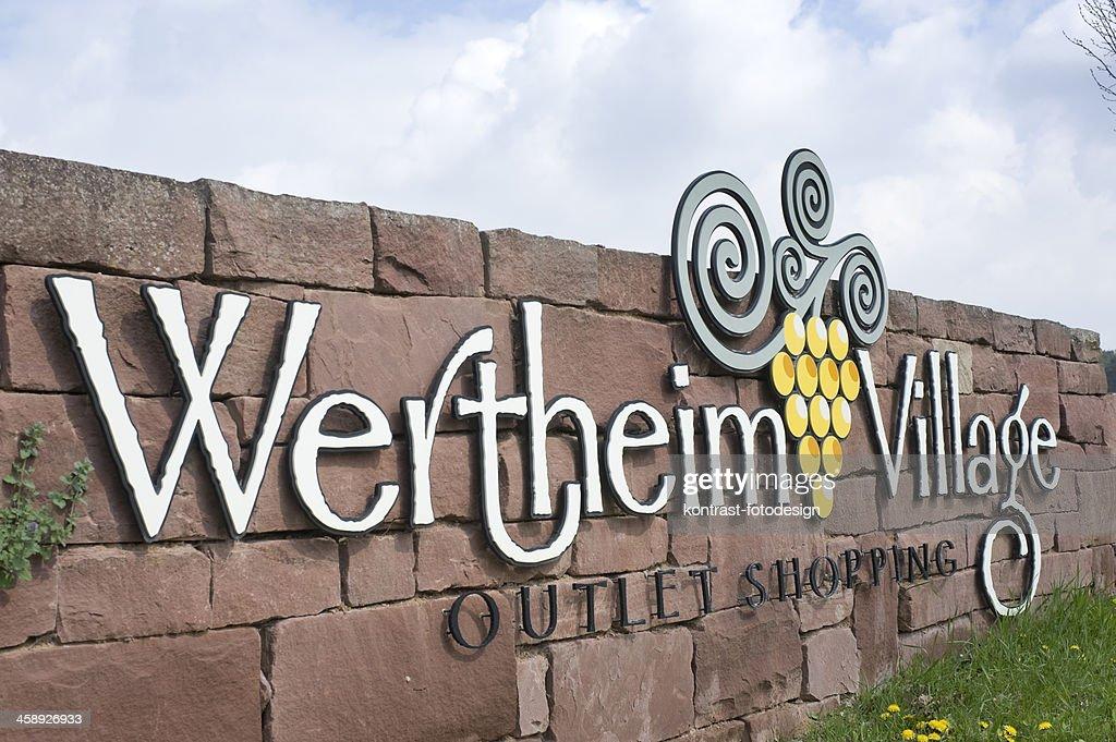 Wertheim Village Outlet Center, Deutschland. : Stock-Foto