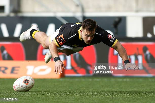 Wes Goosen of Wellington scores a try during the round one Mitre 10 Cup match between Wellington and Otago at Westpac Stadium on August 19 2018 in...