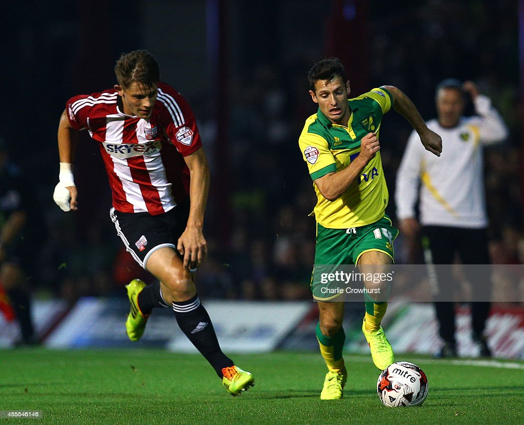 Wes Hoolahan of Norwich attacks during the Sky Bet Championship match between Brentford and Norwich City at Griffin Park on September 16, 2014 in Brentford, England.