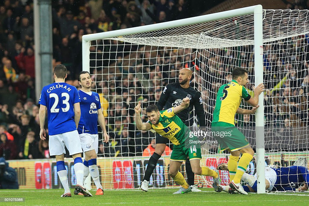 Norwich City v Everton - Premier League : News Photo