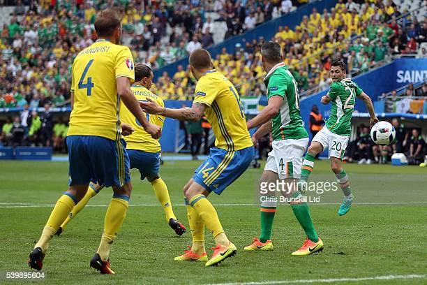 Wes Hoolahan of the Republic of Ireland scores the opening goal during the UEFA Euro 2016 Group E match between Republic of Ireland and Sweden at...