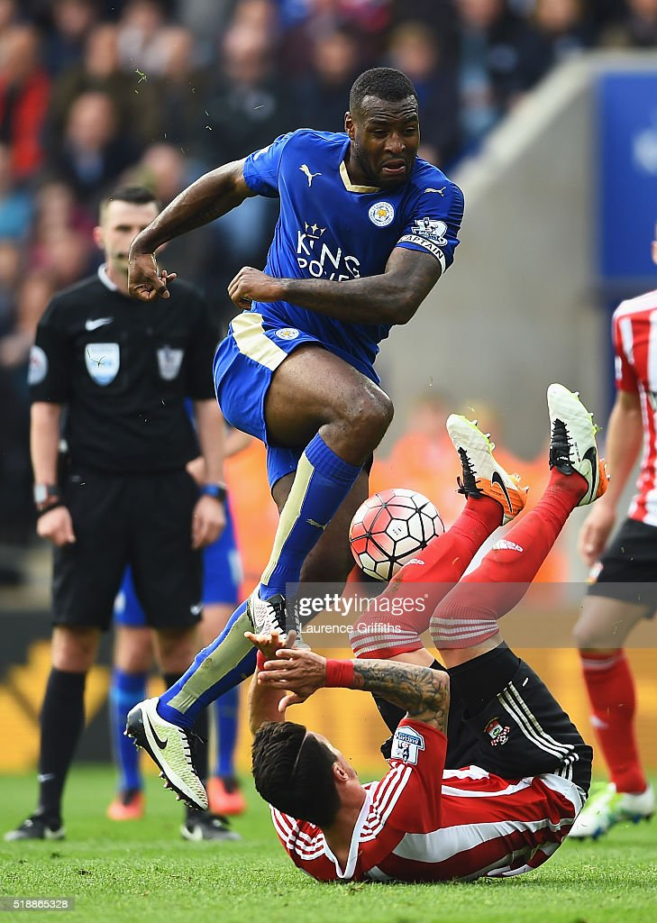 Wes Morgan of Leicester City is blocked by Jose Fonte of Southampton during the Barclays Premier League match between Leicester City and Southampton at The King Power Stadium on April 3, 2016 in Leicester, England.
