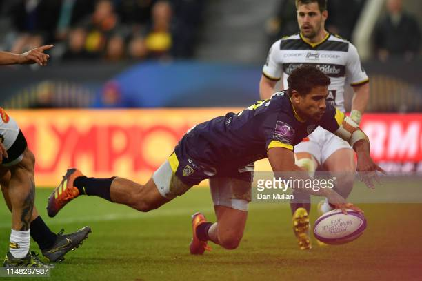 Wesley Fofana of ASM Clermont Auvergne dives in to score a second half try during the Challenge Cup Final match between La Rochelle and ASM Clermont...