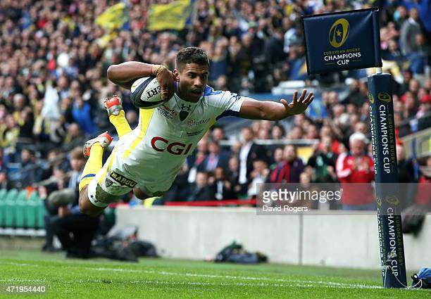 Wesley Fofana of Clermont dives over to score the opening try during the European Rugby Champions Cup Final match between ASM Clermont Auvergne and...