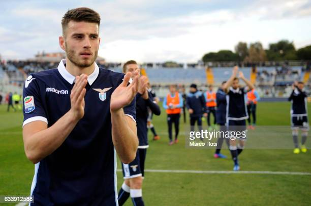 Wesley Hoedt of SS Lazio celebrates a after match the Serie A match between Pescara Calcio and SS Lazio at Adriatico Stadium on February 5 2017 in...