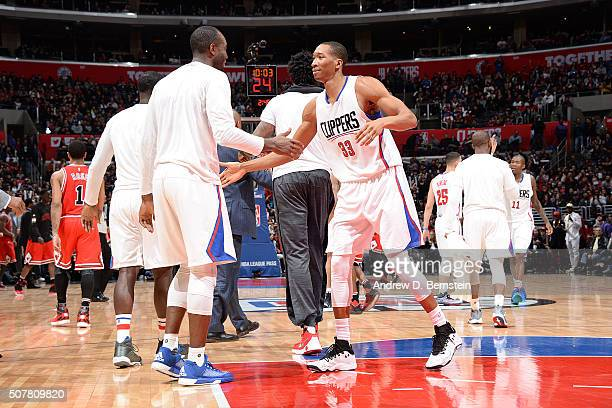 Wesley Johnson of the Los Angeles Clippers celebrates with his teammates during the game against the Chicago Bulls on January 31 2016 at STAPLES...
