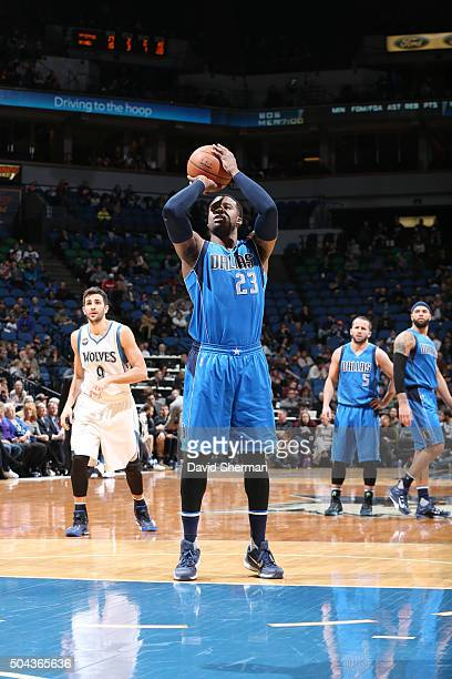 Wesley Matthews of the Dallas Mavericks shoots a free throw against the Minnesota Timberwolves on January 10 2016 at Target Center in Minneapolis...