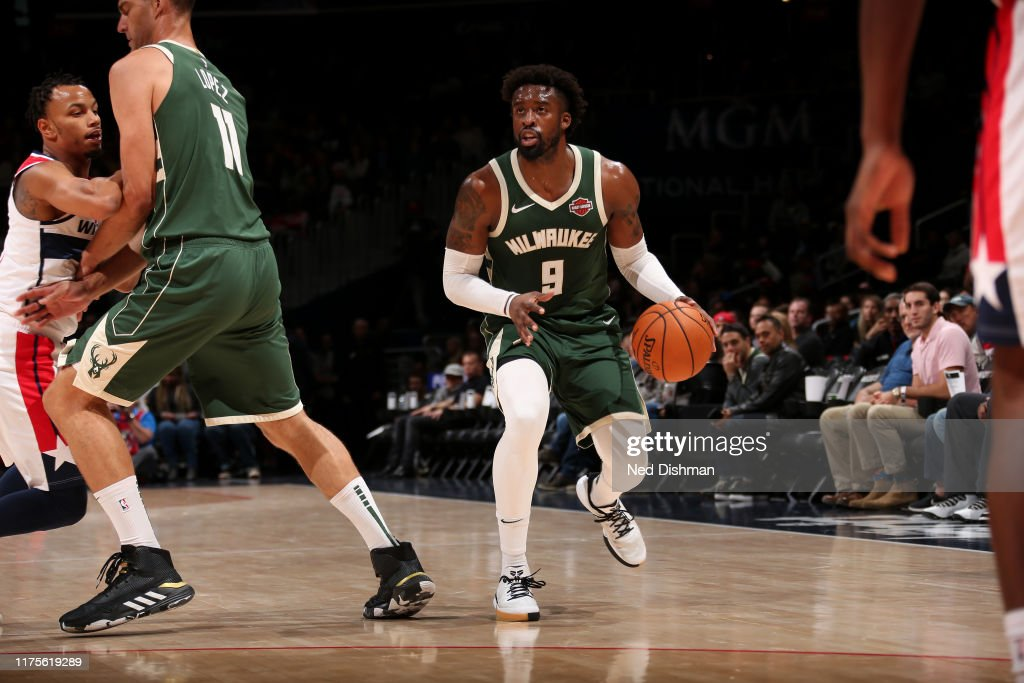 Milwaukee Bucks v Washington Wizards : Foto di attualità