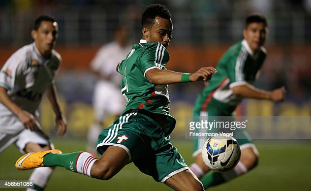 Wesley of Palmeiras runs with the ball during the match between Palmeiras and Chapecoense for the Brazilian Series A 2014 at Estadio do Pacaembu on...
