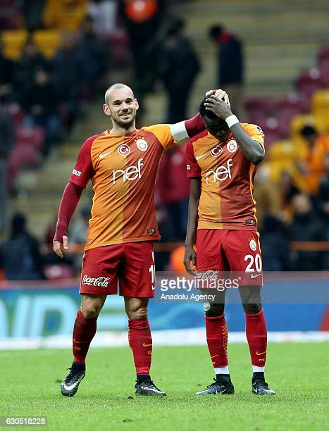 Wesley Sneijder and Bruma of Galatasaray are seen during the Turkish Spor Toto Super Lig football match between Galatasaray and Aytemiz Alanyaspor at...