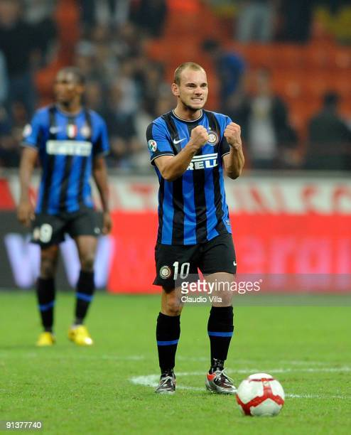 Wesley Sneijder of FC Inter celebrates scoring the second goal during the Serie A match between FC Internazionale Milano and Udinese Calcio at Stadio...