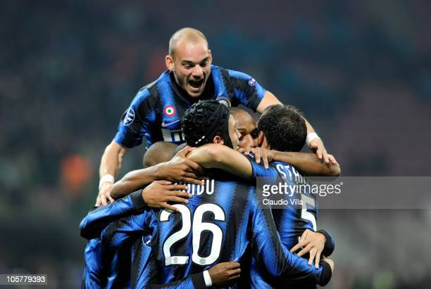 Wesley Sneijder of FC Internazionale Milano and teammates celebrate during the UEFA Champions League group A match between FC Internazionale Milano...