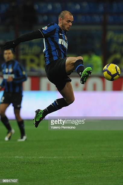 Wesley Sneijder of FC Internazionale Milano in action during the Serie A match between FC Internazionale Milano and UC Sampdoria at Stadio Giuseppe...