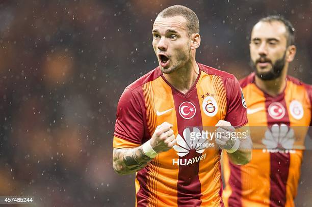 Wesley Sneijder of Galatasaray during the Turkish SuperLig match between Galatasaray and Fenerbahce on October 18 2014 at the Turk Telekom Arena in...