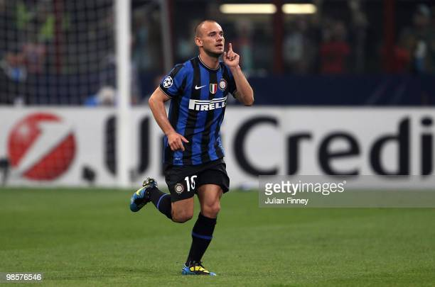 Wesley Sneijder of Inter Milan celebrates his 1:1 equalising goal during the UEFA Champions League Semi Final 1st Leg match between Inter Milan and...