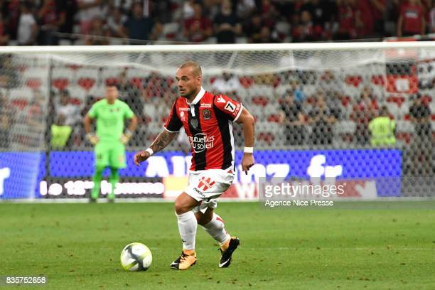 Wesley Sneijder of Nice during the Ligue 1 match between OGC Nice and EA Guingamp at Allianz Riviera on August 19 2017 in Nice