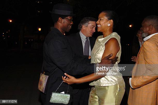 Wesley Snipes Robert De Niro and Grace Hightower attend Vanity Fair hosts their Tribeca Film Festival dinner at The State Supreme Courthouse on April...