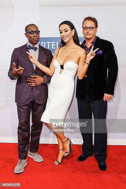Wesley Snipes Verona Pooth and Bernhard Fritsch attend the Bertelsmann Summer Party at Bertelsmann Repraesentanz on September 8 2016 in Berlin Germany
