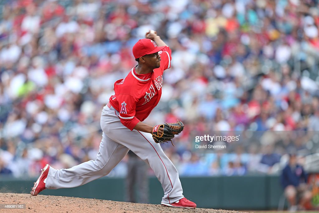 Wesley Wright #40 of the Los Angeles Angels of Anaheim pitches in relief in the 8th inning against the Minnesota Twins at Target Field on September 20, 2015 in Minneapolis, Minnesota. The Twins defeated the Angels 8-1.