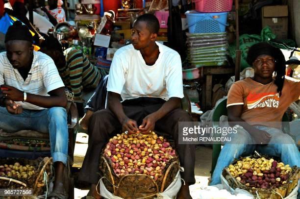 West Africa Senegal Sine Saloum Market Kaolack Afrique de l'Ouest Senegal Sine Saloum Le marche de Kaolack marchand de Cola