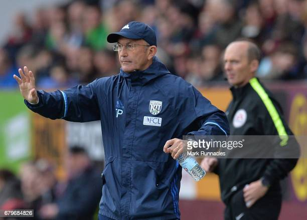 West Bromwich Albion manager Tony Pulis gestures from the the sideline during the Premier League match between Burnley and West Bromwich Albion at...