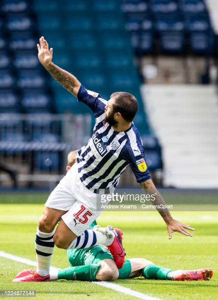 West Bromwich Albion's Charlie Austin celebrates scoring his side's first goal during the Sky Bet Championship match between West Bromwich Albion and...