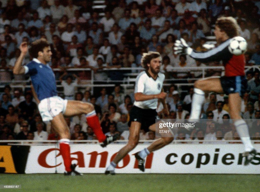 WORLD CUP-1982-FRA-FRG : News Photo