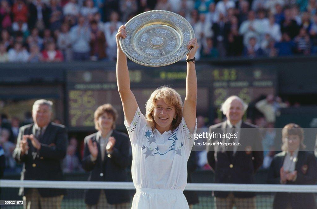 Steffi Graf Wins 1988 Wimbledon Championships : News Photo