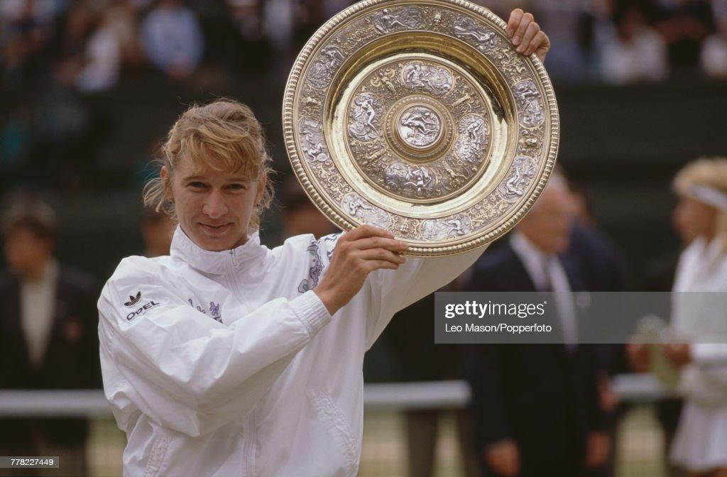 Steffi Graf Wins 1989 Wimbledon Championships : News Photo