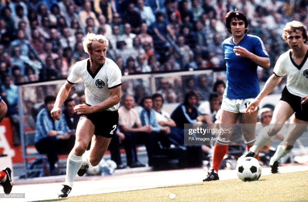 Soccer - World Cup West Germany 74 - Group B - West Germany v Yugoslavia : News Photo