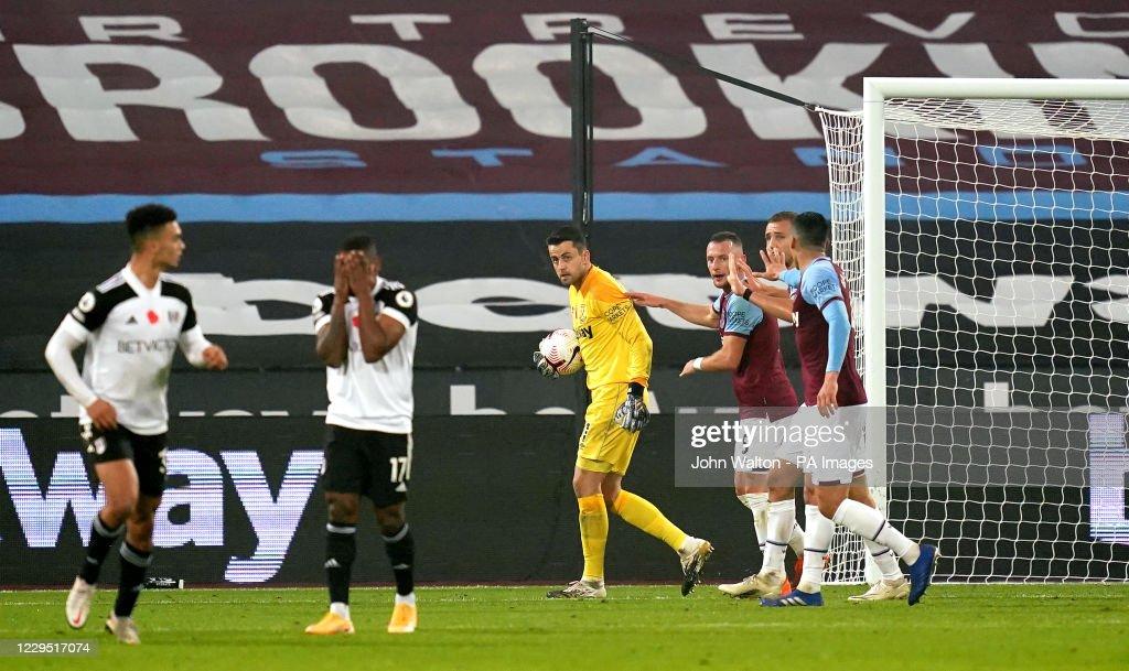 West Ham United v Fulham - Premier League - London Stadium : News Photo