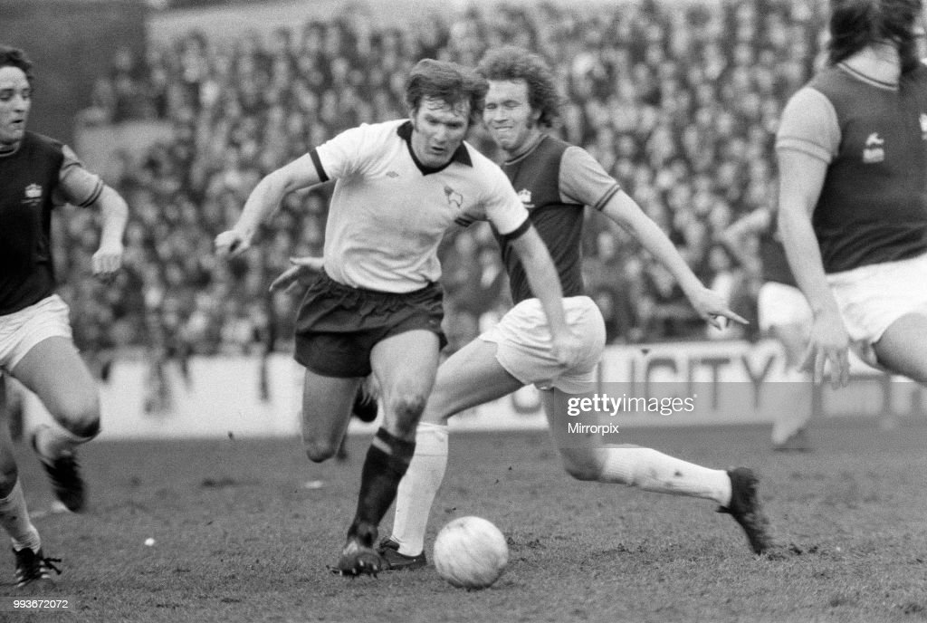 West Ham v Derby County, 1976 : News Photo