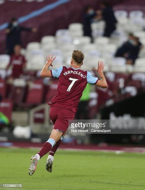 West Ham United's Andriy Yarmolenko celebrates scoring his side's third goal during the Premier League match between West Ham United and Chelsea FC...
