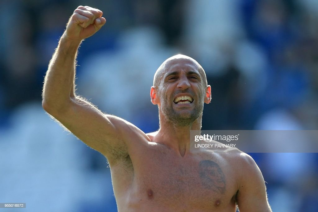 West Ham United's Argentinian defender Pablo Zabaleta applauds the fans following the English Premier League football match between Leicester City and West Ham United at King Power Stadium in Leicester, central England on May 5, 2018. - West Ham won the match 2-0. (Photo by Lindsey PARNABY / AFP) / RESTRICTED TO EDITORIAL USE. No use with unauthorized audio, video, data, fixture lists, club/league logos or 'live' services. Online in-match use limited to 75 images, no video emulation. No use in betting, games or single club/league/player publications. / CORRECTS The erroneous mention[s] appearing in the metadata of this photo by Lindsey PARNABY has been modified in AFP systems in the following manner: [the English Premier League football match between Leicester City and West Ham United at King Power Stadium in Leicester, central England on May 5, 2018. ] instead of [following the English Premier League football match between West Bromwich Albion and Tottenham Hotspur at The Hawthorns stadium in West Bromwich, central England, on May 5, 2018.]. Please immediately remove the erroneous mention[s] from all your online services and delete it (them) from your servers. If you have been authorized by AFP to distribute it (them) to third parties, please ensure that the same actions are carried out by them. Failure to promptly comply with these instructions will entail liability on your part for any continued or post notification usage. Therefore we thank you very much for all your attention and prompt action. We are sorry for the inconvenience this notification may cause and remain at your disposal for any further information you may require.