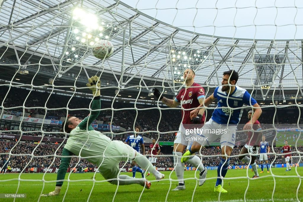 FBL-ENG-FACUP-WEST HAM-BIRMINGHAM : News Photo