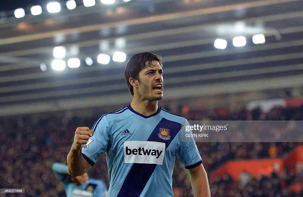 FBL-ENG-PR-SOUTHAMPTON-WEST HAM : News Photo