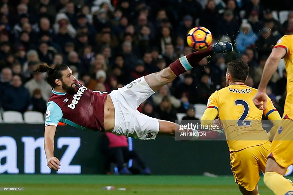 FBL-ENG-PR-WEST HAM-CRYSTAL PALACE : News Photo