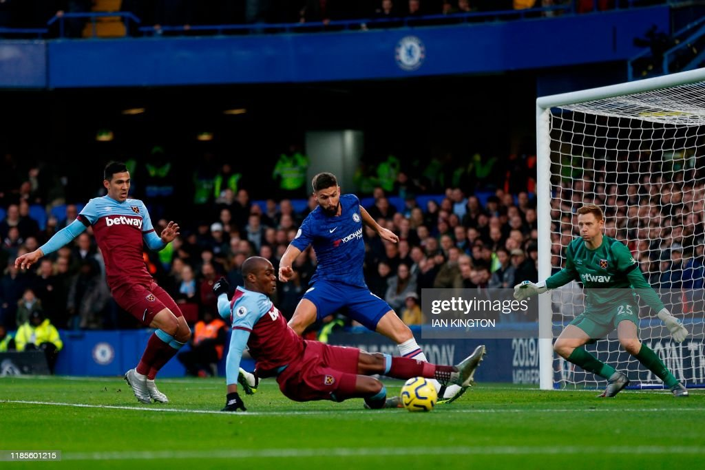 FBL-ENG-PR-CHELSEA-WEST HAM : News Photo