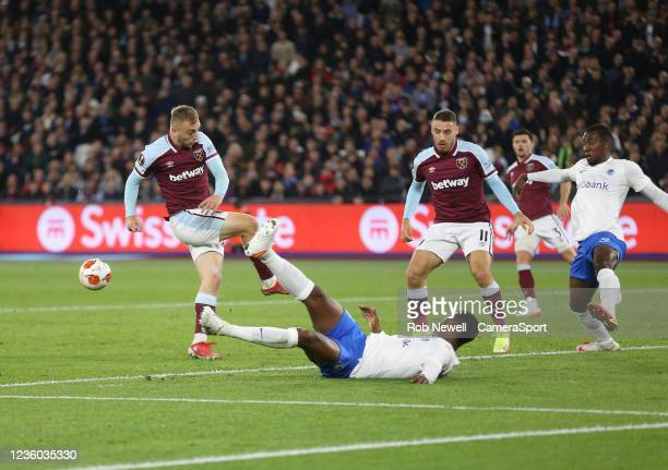 West Ham United's Jarrod Bowen misses a first half chance during the UEFA Europa League group H match between West Ham United and KRC Genk at Olympic...