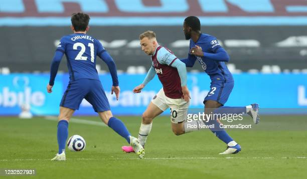 West Ham United's Jarrod Bowen talkes on Chelsea's Antonio Rudiger and Ben Chilwell during the Premier League match between West Ham United and...