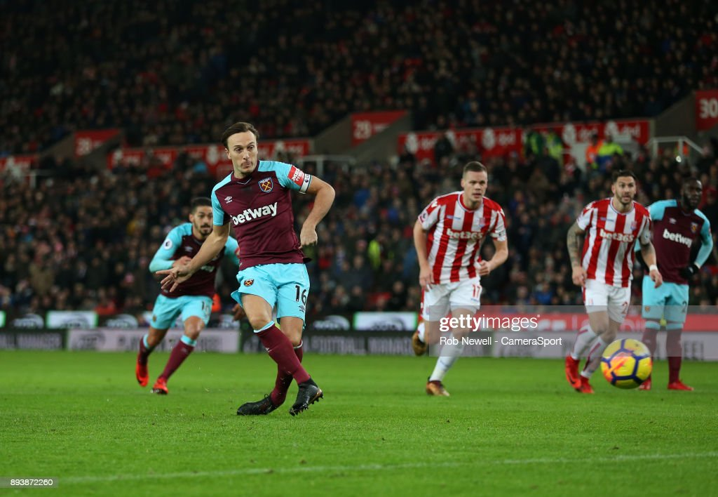 Stoke City v West Ham United - Premier League : News Photo