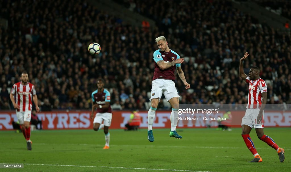 West Ham United v Stoke City - Premier League : News Photo