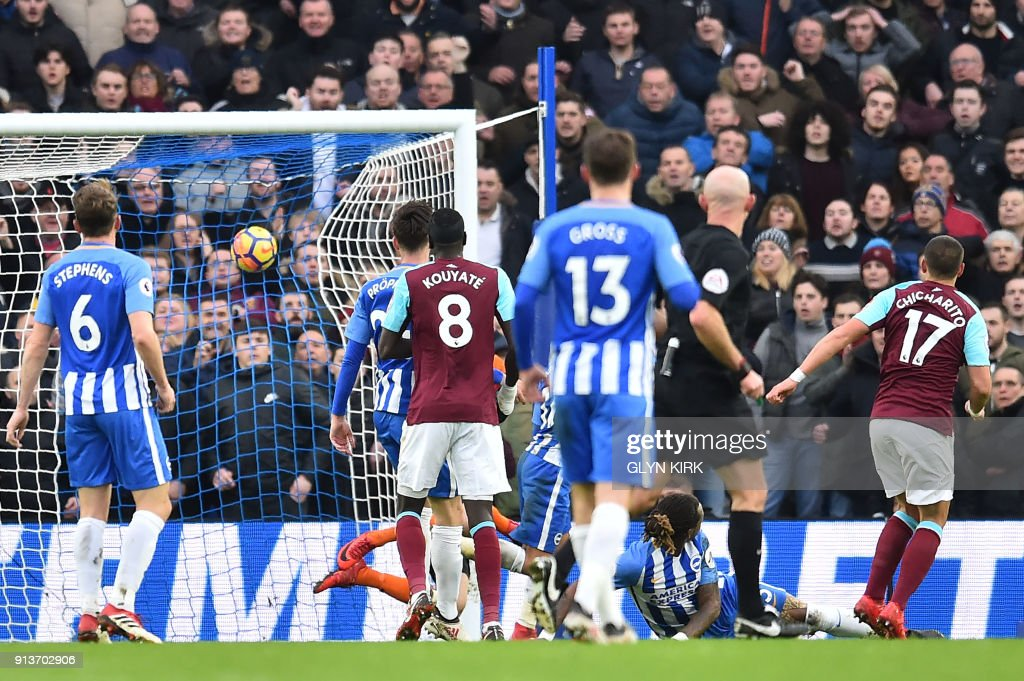 FBL-ENG-PR-BRIGHTON-WEST HAM : News Photo