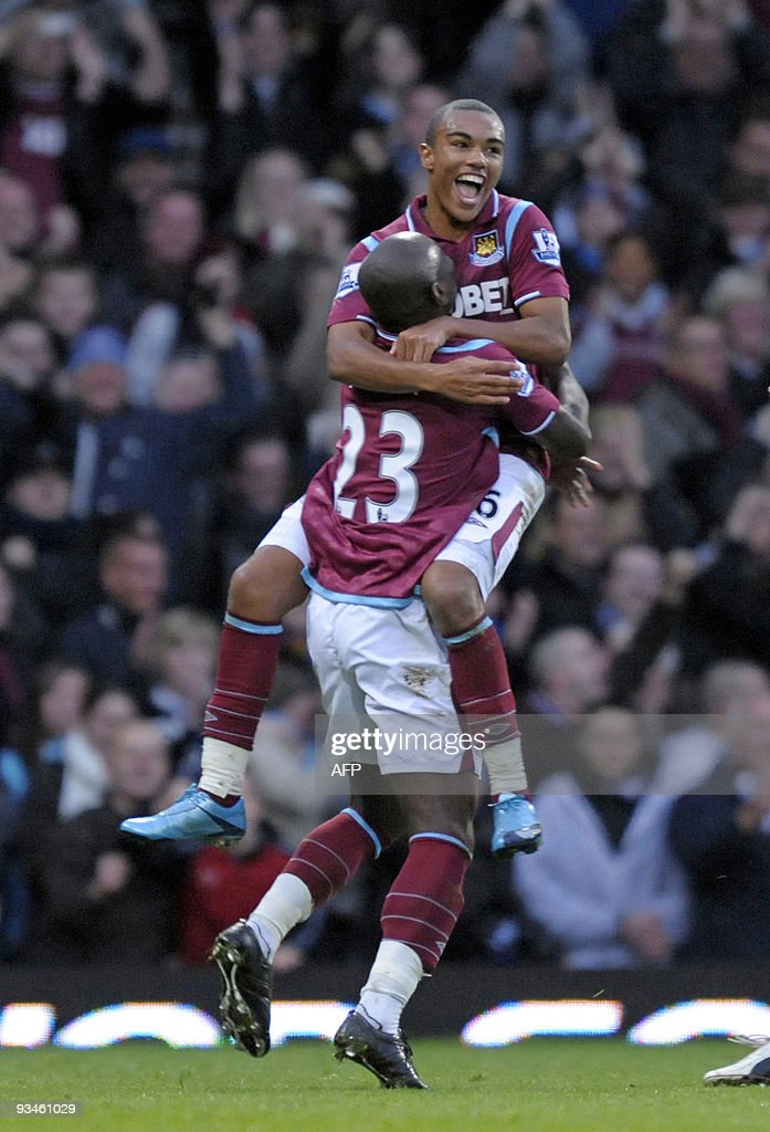 West Ham's English player Junior Stanisl : News Photo