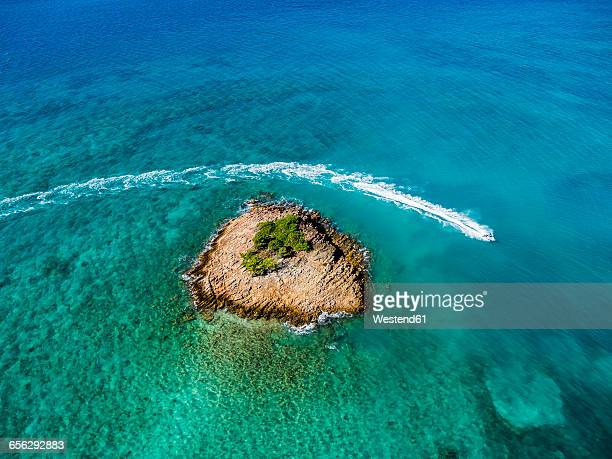 west indies, antigua and barbuda, antigua, aerial view, jet ski in front of turners beach - isla de antigua fotografías e imágenes de stock