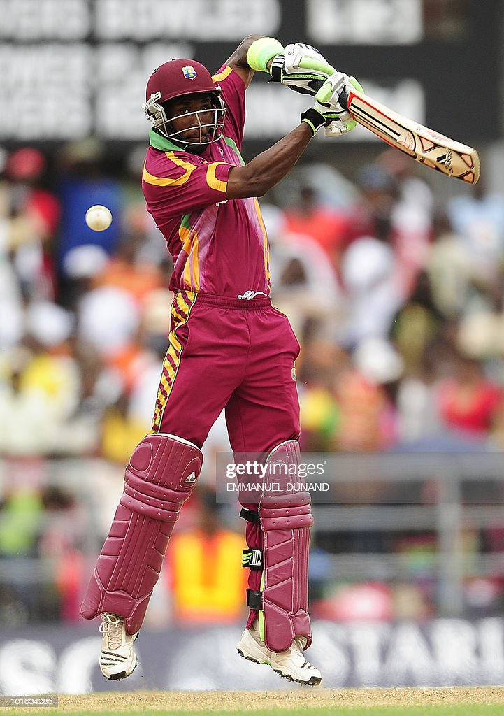 West Indies batsman Dwayne Bravo plays a shot during the third ODI between the West Indies and South Africa May 28, 2010 at Windsor Park in Roseau, Dominica. South Africa won by 67 runs to win the five match series with a lead of 3-0 and two matches to go. AFP PHOTO/Emmanuel Dunand